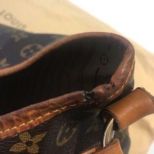 Louis Vuitton Bags - Louis Vuitton | Large Brown Vintage Hobo Bag